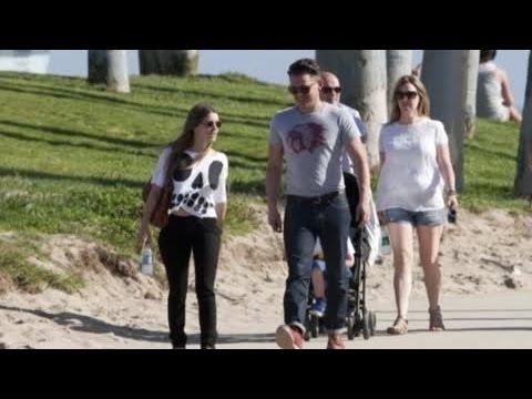 Arctic Monkeys' Star Jamie Cook to Marry Girlfriend Katie Downes - Splash News | Splash News TV