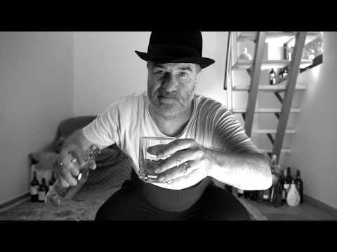 Смотреть клип Ромарио Ft. Евгений Гришковец - Не Выходя Из Комнаты