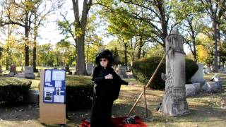 2010-OakParkRiverForestHistorical-Cemetery-Walk-Chicago-fireman-death-Oct-17th- 059.AVI