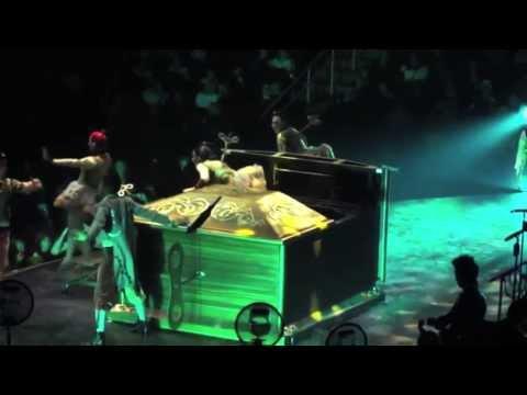 Taylor Swift: Red Tour 2013 - Blooper Reel