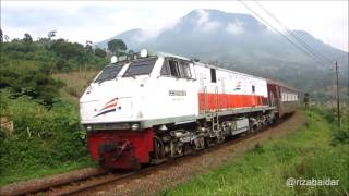 [Kompilasi] Moment Kereta Api Membawa Kereta Wisata