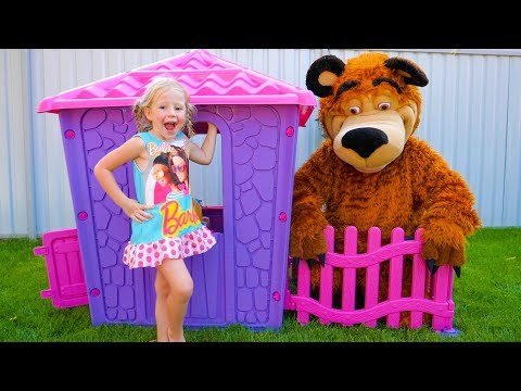 Nastya and papa are building playhouse for toys