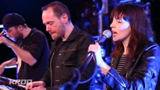 CHVRCHES - Leave A Trace (Live at KROQ)