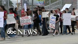 Students head to Florida capital to press for changes to gun laws