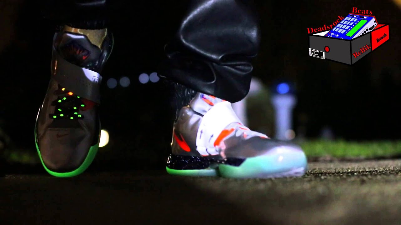 nike zoom kd iv 4 asg galaxy on feet glow in the dark