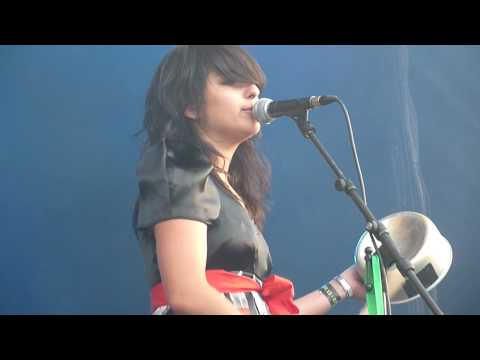 Lilly Wood & The Prick - Water Ran (15.07.10)