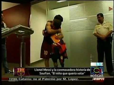 Messi celebró un gol a un niño al que le amputaron las piernas.flv
