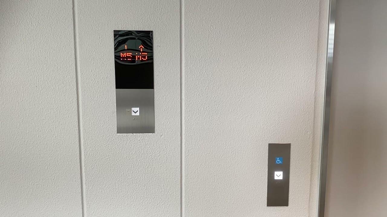 【英語放送搭載】JR熊本駅ビル第1駐車場のエレベーター