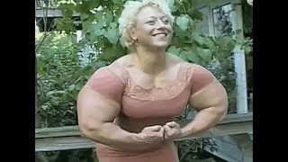 Huge muscular Female bodybuilder has some huge Arms !