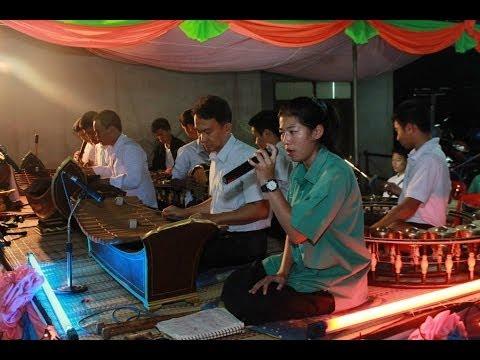 บรรเลงงานไหว้ครูดนตรีไทย คณะ ป.อุดมศิลป์ โคราช #5