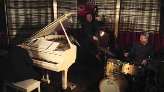 "Nicolas Dary+ Alain Jean Marie trio: ""The Jumpin Blues""."