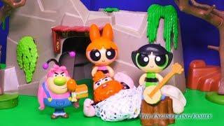Fuzzy Lumpkins Hides Bubbles from PowerPuff Girls