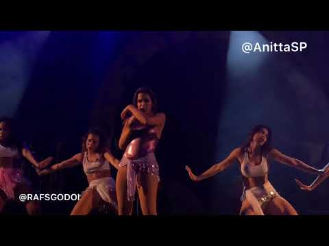 Bola Rebola - Anitta AO VIVO + Coreografia em São Paulo