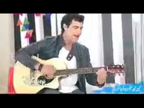 Violetta diego chante sa nouvelle chanson saison 3 youtube - Violetta chanson saison 3 ...
