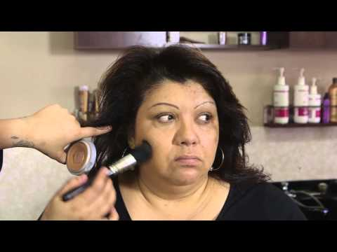 Makeup Tips: How to Apply Makeup Over 50