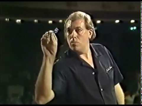 THE FIRST MATCH WITH A 9 DARTER! - John Lowe vs. Keith Deller - October 1984