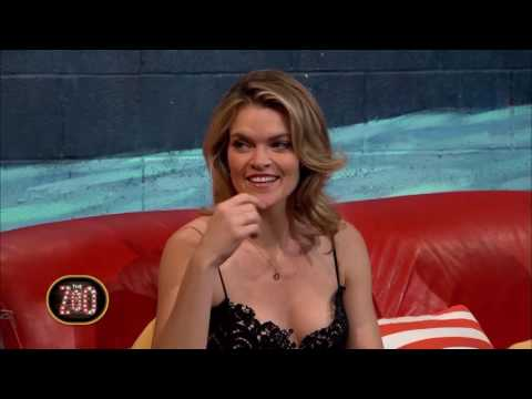 Missi Pyle Makes Fun of Host's Kimono  The Zoo