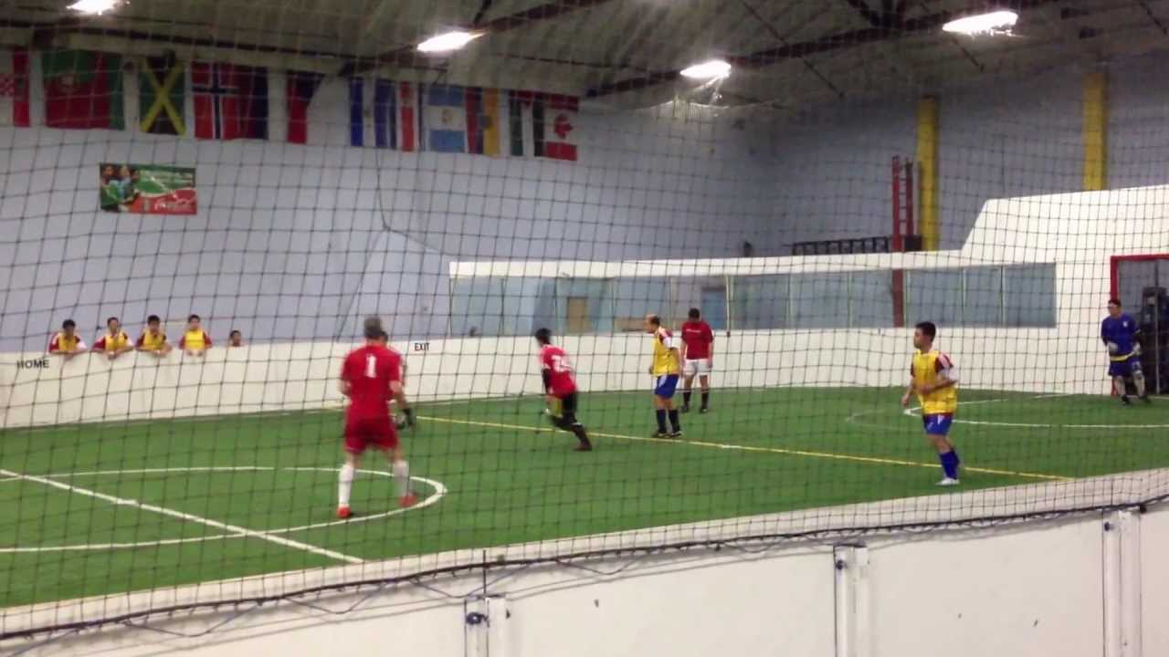4d21cea90 Off The Wall Indoor Soccer 2012/10/23 Calblue vs. Team Red (1st half ...