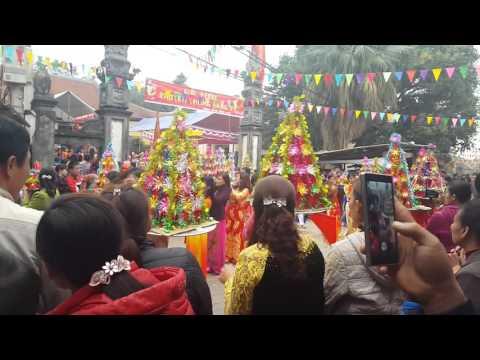 Lễ hội làng vĩ