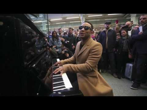 JOHN LEGEND PERFORMS  ALL OF ME AT ST PANCRAS INTERNATIONAL STATION