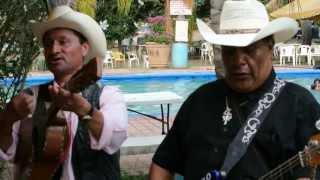 """""""El corrido de los Pérez"""", Grupo Norteño Comando"""