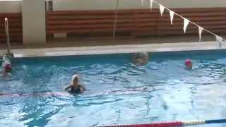 Тренировка по синхронному плаванию. Аделе 6 лет
