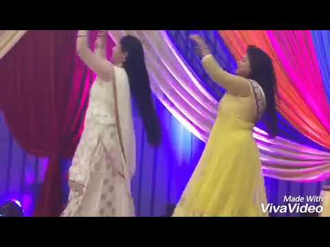 Performance on faguner mohonay song at cousin's sangeet