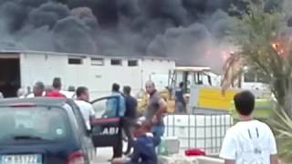 Fuoco in contrada Zagaria, incendiato un deposito di mezzi agricoli