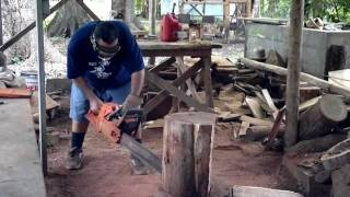 Ve111104001, Making A Rosewood Mask,chain Saw Carving.