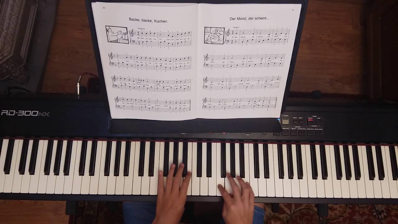 Backe Backe Kuchen Kinderlieder Am Klavier Youtube