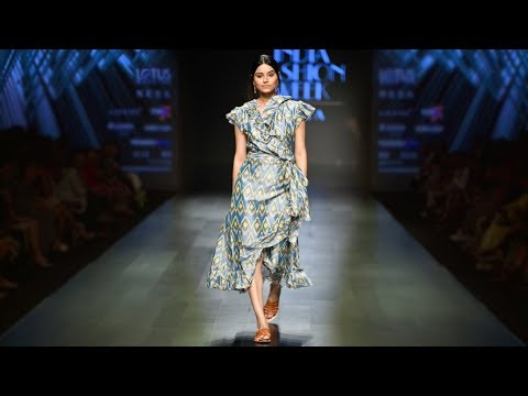 Cassandra Harper X Ministry Of Textiles+Government Of India | Spring/Summer2019 | India Fashion Week