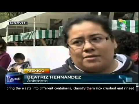 Recycling in Mexico City, exchanging food for waste