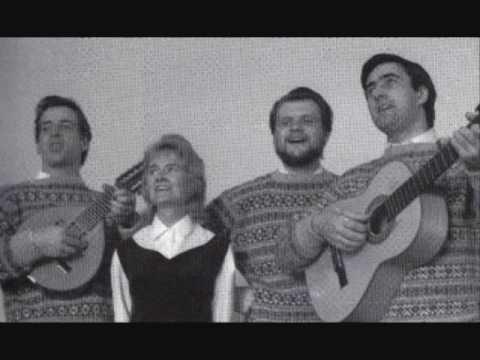 The Corrie Folk Trio And Paddie Bell --- Leezie Lindsay