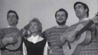 The Corrie Folk Trio And Paddie Bell --- Leezie Lindsay