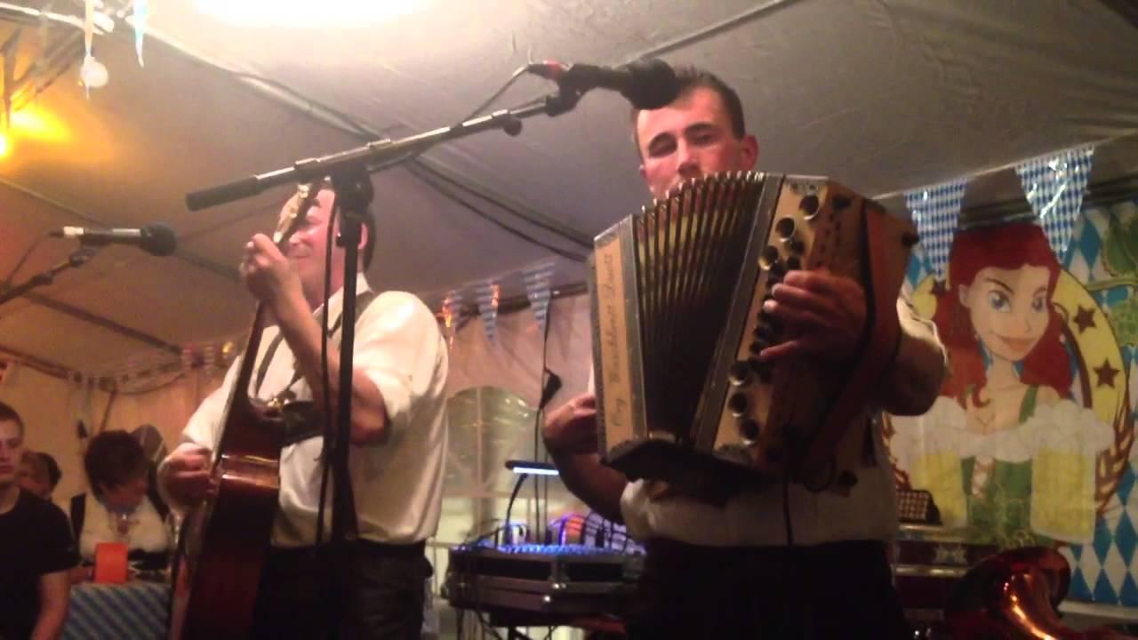Org. Waschbrett- Duett - Festtag im Dorf - YouTube