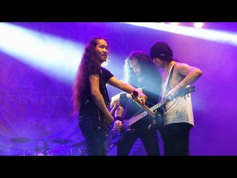HD DragonForce  Valley of The Damned   in Jogja, 552017 FANCAM
