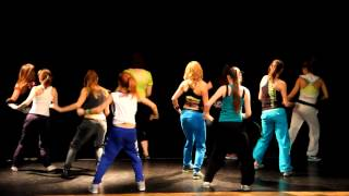 Daddy Yankee - La Rompe Carros Choreography: Diana Iwanowicz official zumba instructor