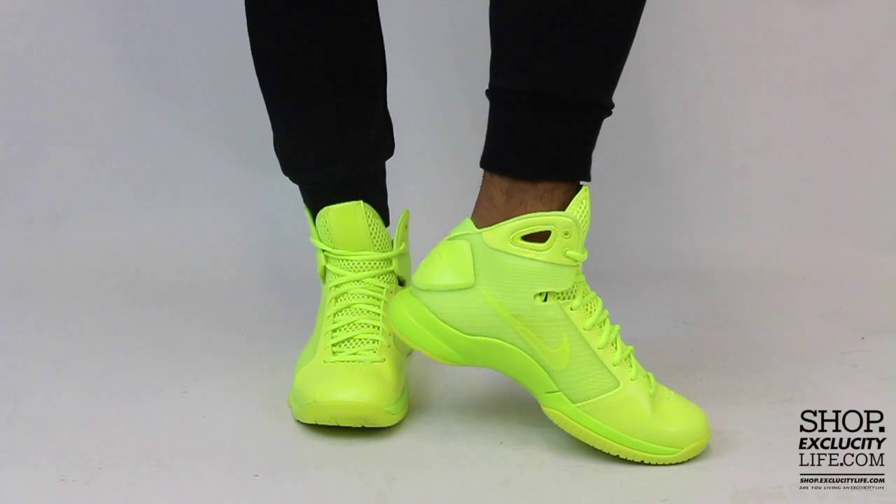 d86db32254e Nike Hyperdunk 08 Volt Volt On feet Video at Exclucity - YouTube