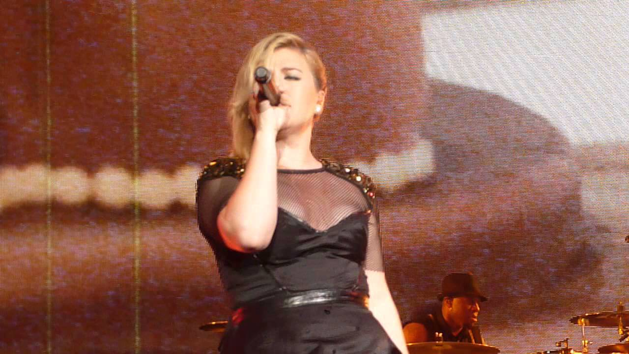 Download Kelly Clarkson - Tie it Up (Raleigh, NC)