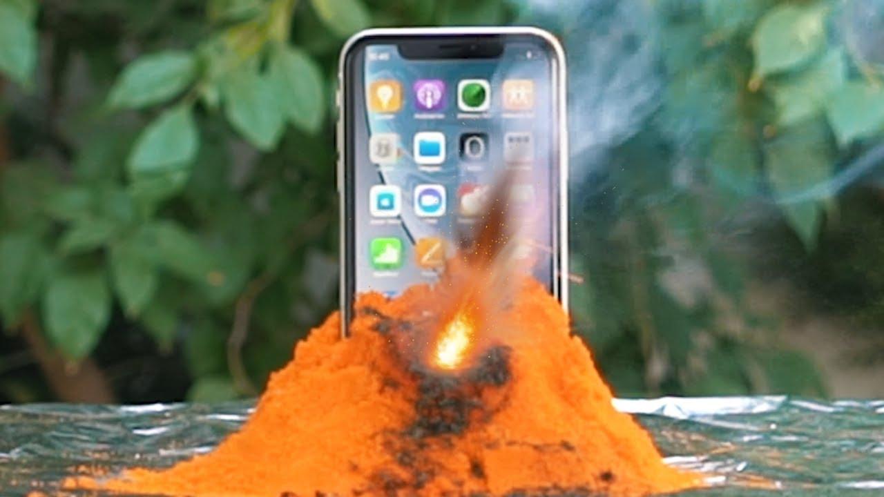 iPhone XR'yi Kimyasal Yanardağ Lavının İçine Attık! (Acımadık #10)