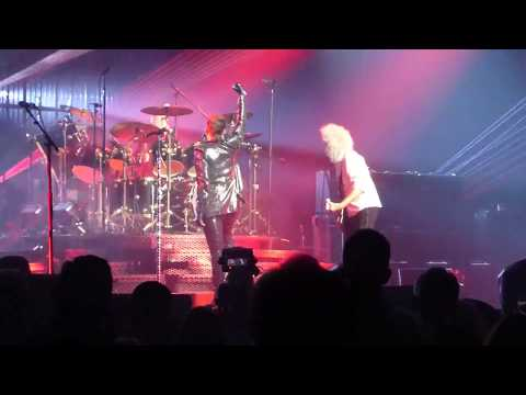 Queen - Radio Ga Ga @ Barclays Center, NY w Adam Lambert 2017