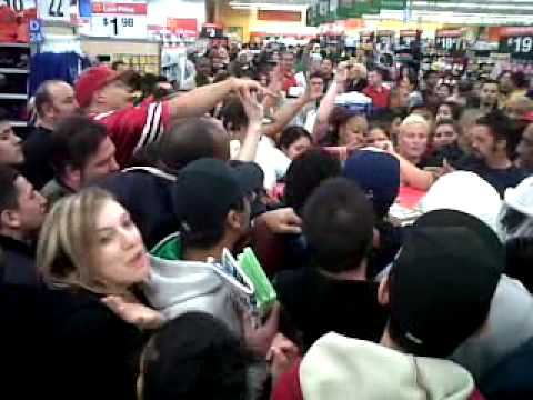 Walmart Black Friday fight for Xbox games - YouTube
