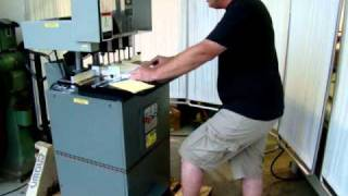 Baum Baumfolder ND5A 3 Head  Power Hydraulic Paper Drill.MPG