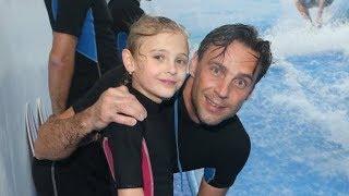 Odvážný Roman Vojtek vzal dcerku surfovat: Brázdila vlny jako velká holka!