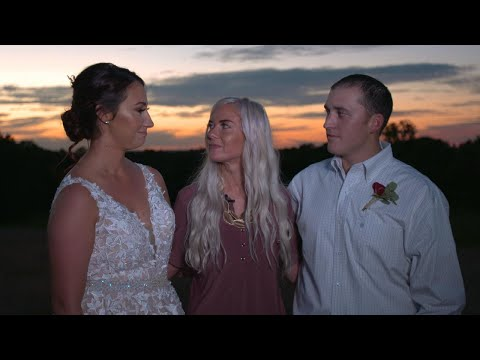 iHeartCountry Trending - Couple Gets A Free Wedding