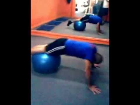 Ejercicios con pelota en Power Gym- Villa Colón-Colon-Montevideo