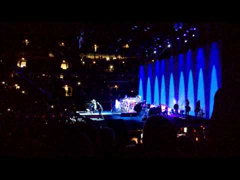 "Fleetwood Mac, Live at United Center October 3rd, 2014: Intro and ""The Chain"""