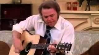Вот как надо играть на гитаре
