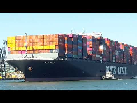 Massive Container Ship Being Turned Around in Port of Oakland and Escorted out of the Bay, and Sea!