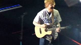 """Ed Sheeran """"Shape of You"""" (LIVE) @ The STAPLES Center on 8/11/17"""